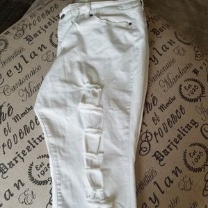 Torrid Size 24 White cropped jeans